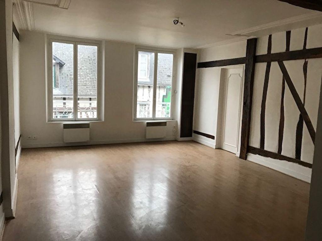 Appartement Gisors de Type F2 Centre Ville