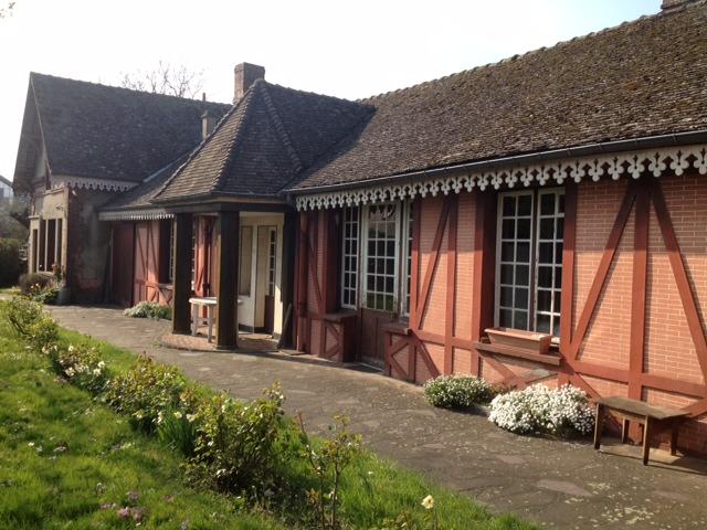 Maison à restaurer de 260 m² de 8 piéces.