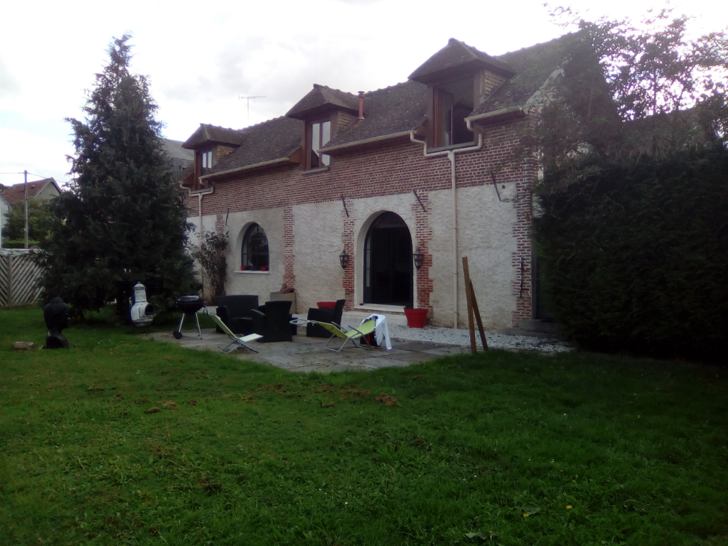 Maison ANCIENNE PROCHE DE GISORS.