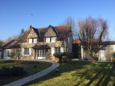 A vendre maison 153 m gisors agence la chaumiere for Agence a la maison
